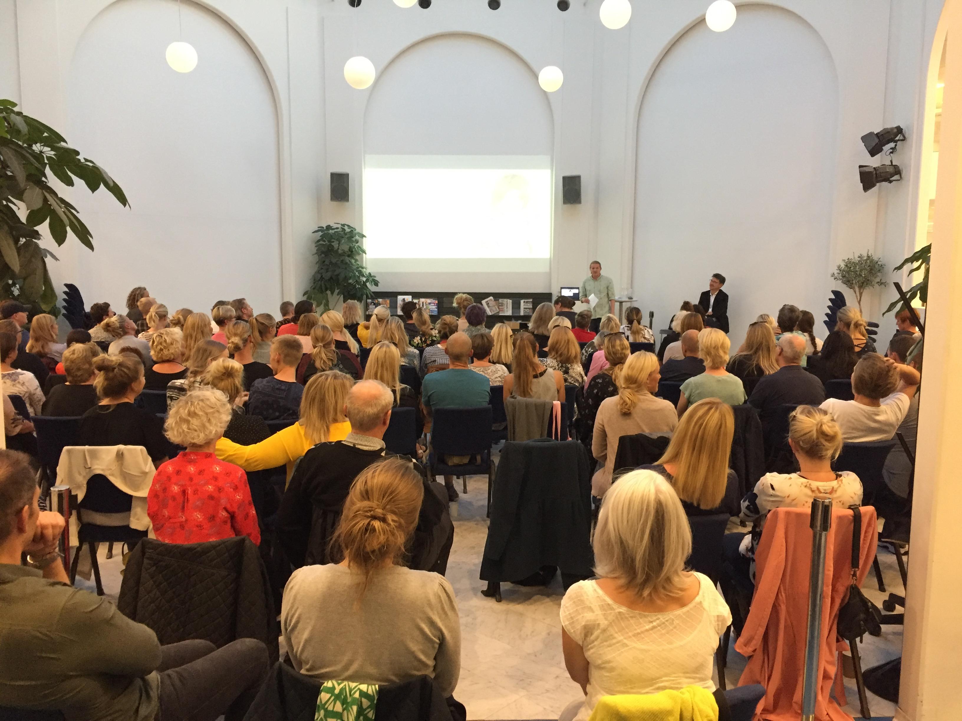 Low arousal foredrag på Tårnby Bibliotek